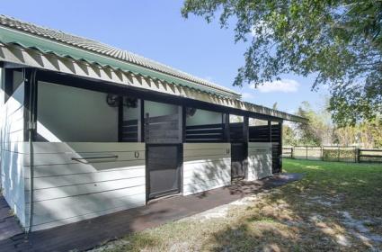 4 Bedrooms Bedrooms, ,3 BathroomsBathrooms,Barn,For Rent,1011