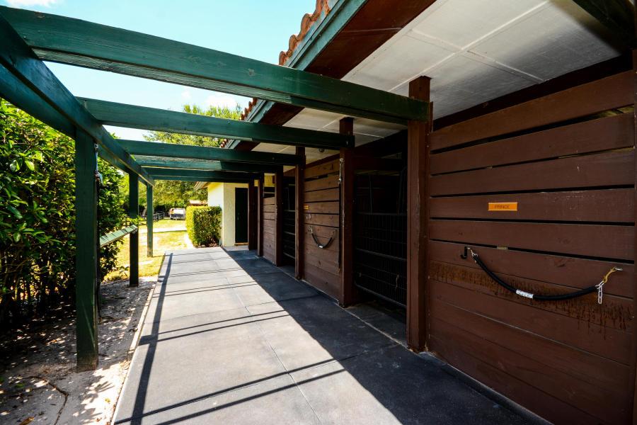 3 Bedrooms Bedrooms, ,5 BathroomsBathrooms,Barn,For Rent,1020