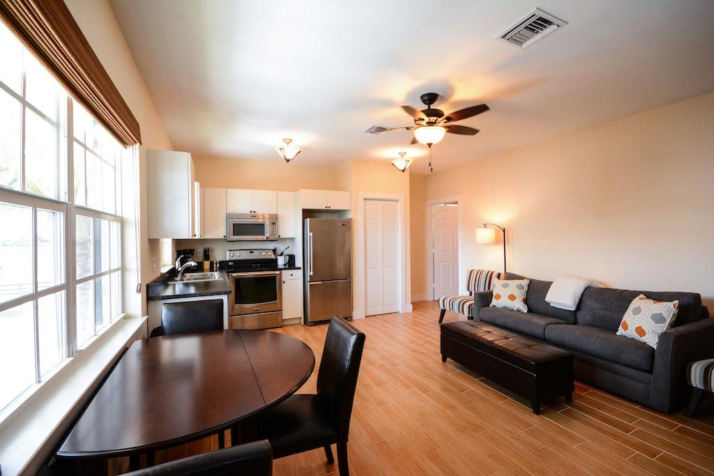 4 Bedrooms Bedrooms, ,6 BathroomsBathrooms,Barn,For Rent,1022