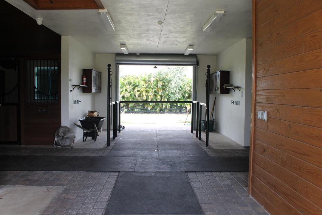 3 Bedrooms Bedrooms, ,3 BathroomsBathrooms,Barn,For Rent,1037