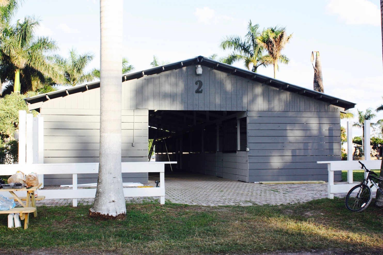 3 BathroomsBathrooms,Stall Rental,For Rent,1047